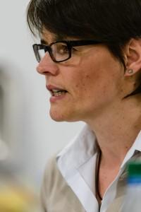 Songfire - Jahreshauptversammlung 2012 - 1. Vorsitzende Petra Ruppel bei der Präsentation des Jahresrückblicks